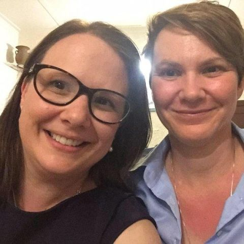 Lesbian couple told to move plane seats so a husband and wife could sit together
