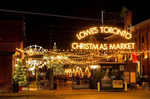 Christmas In Toronto Canada.5 Reasons To Love Christmas In Canada