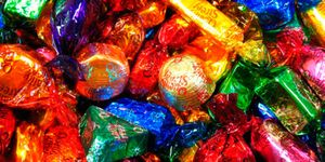 What happens when an American tries Quality Street for the first time?