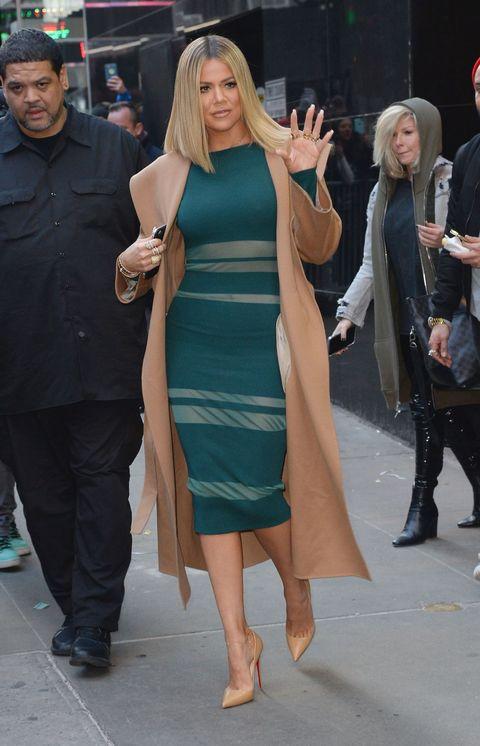 Khloe Kardashian short blonde bob in New York