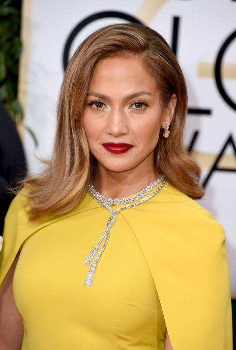 Jennifer Lopez - Golden Globes 2016 hair and makeup trends