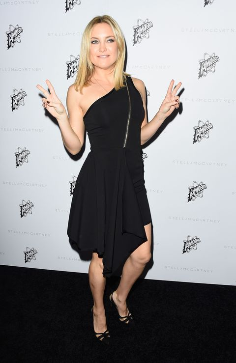 Finger, Dress, Sleeve, Shoulder, Joint, One-piece garment, Style, Little black dress, Cocktail dress, Day dress,