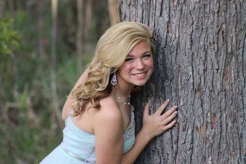 15-year-old Rylie Whitten is currently fighting for her life after having contracted toxic shock syndrome