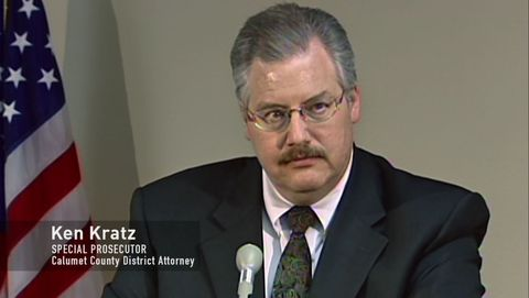 Was Ken Kratz making secret gestures to witnesses in Steven Avery's case