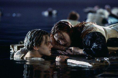 sc 1 st  Cosmopolitan & The Titanic door debate - this simple trick would have saved Jack\u0027s life