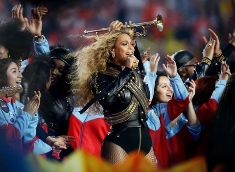 Beyonce performing 'Formation' with an all-female drum squad at the super bowl 2016 half time performance