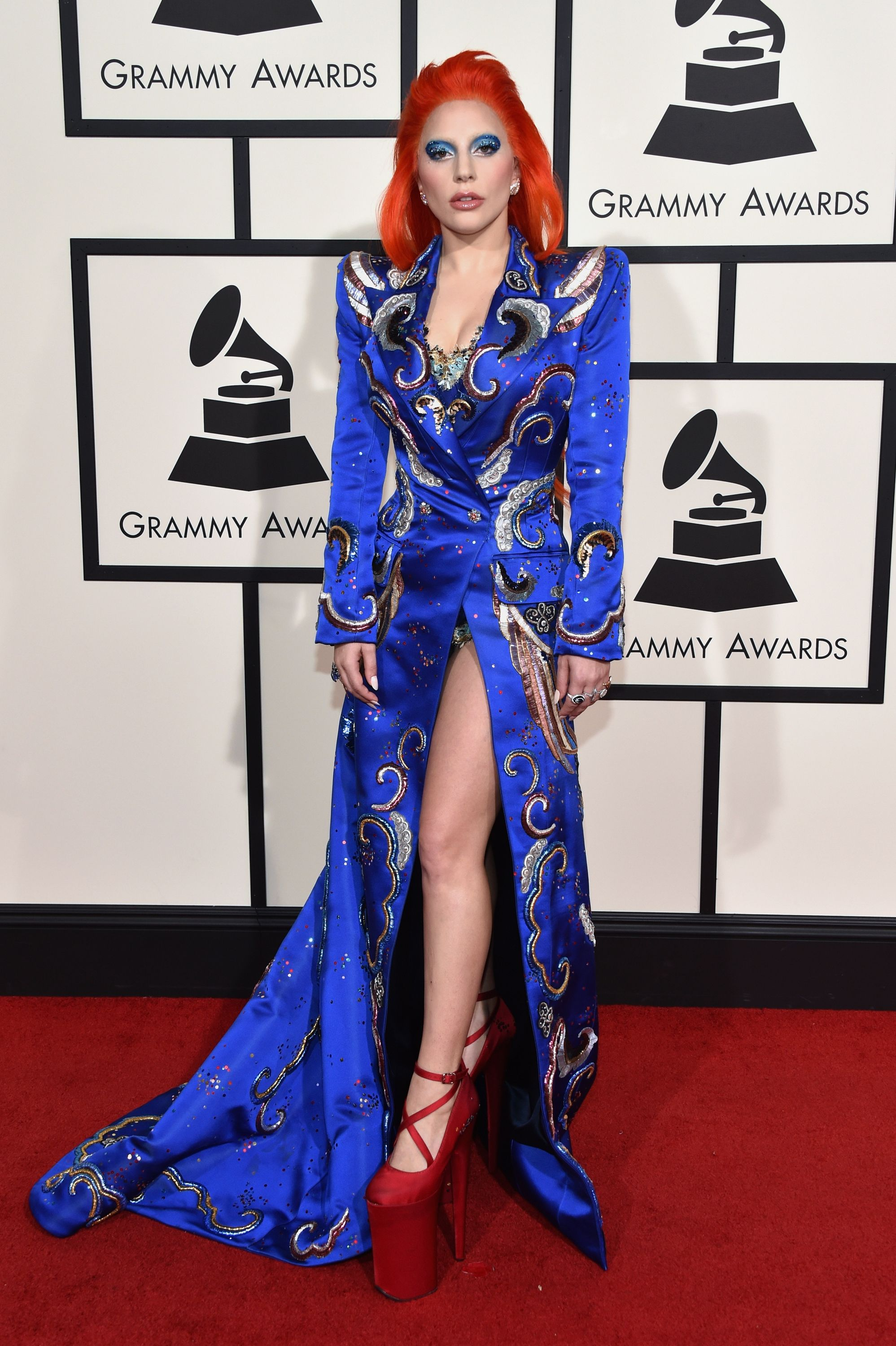 Grammy Awards 2016 Lady Gaga S Style Tribute To David Bowie Was Just Perfect