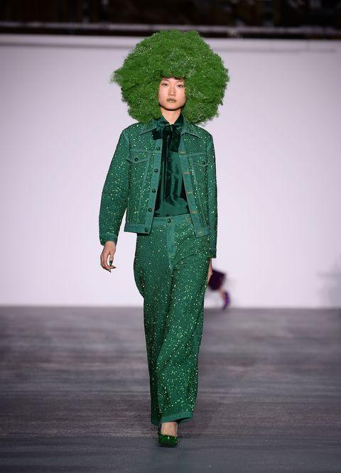 Green, Fashion, Street fashion, Afro, Fur, Costume design, Jheri curl, Fashion model, Fashion design, Costume,