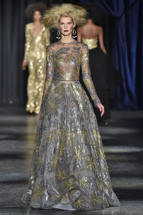 Fashion show, Dress, Fashion model, Formal wear, Style, Gown, Runway, Fashion, One-piece garment, Haute couture,
