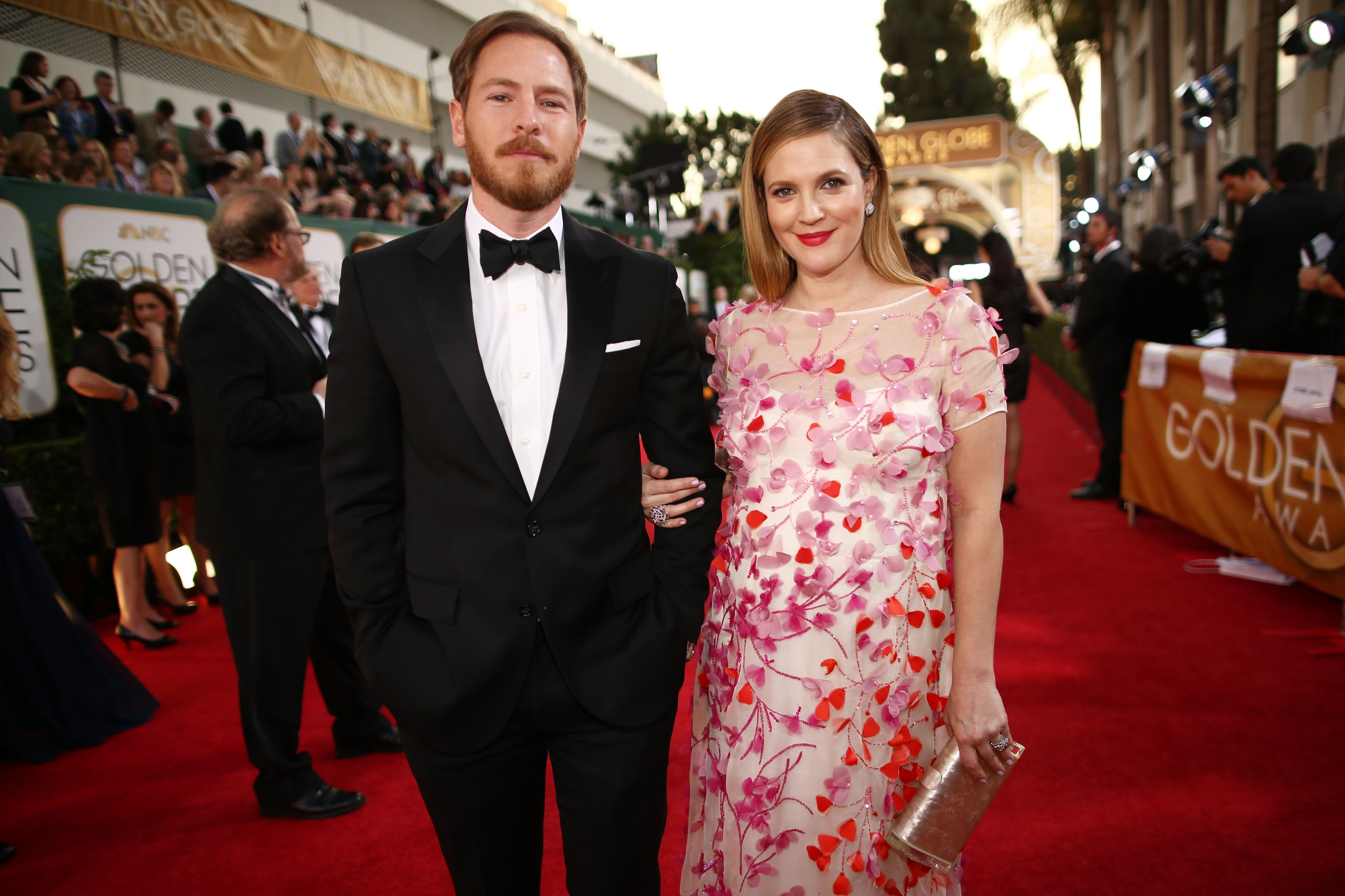 Drew Barrymore and her husband reported divorcing 04/02/2016 89