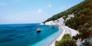 5 very good reasons to holiday in Skopelos