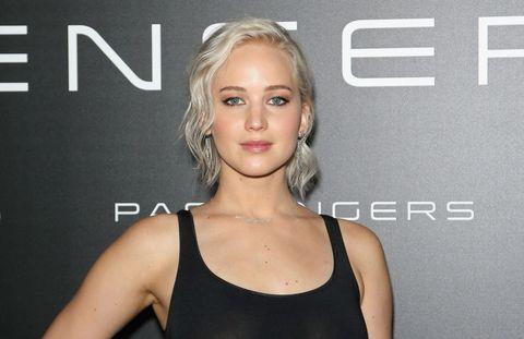 Jennifer Lawrence has new silvery white hair