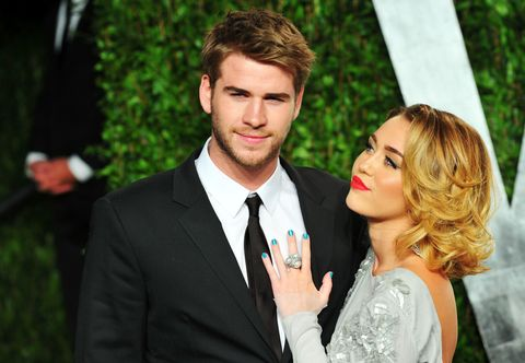 Miley Cyrus makes Liam Hemsworth relationship Instagram official (kind of)