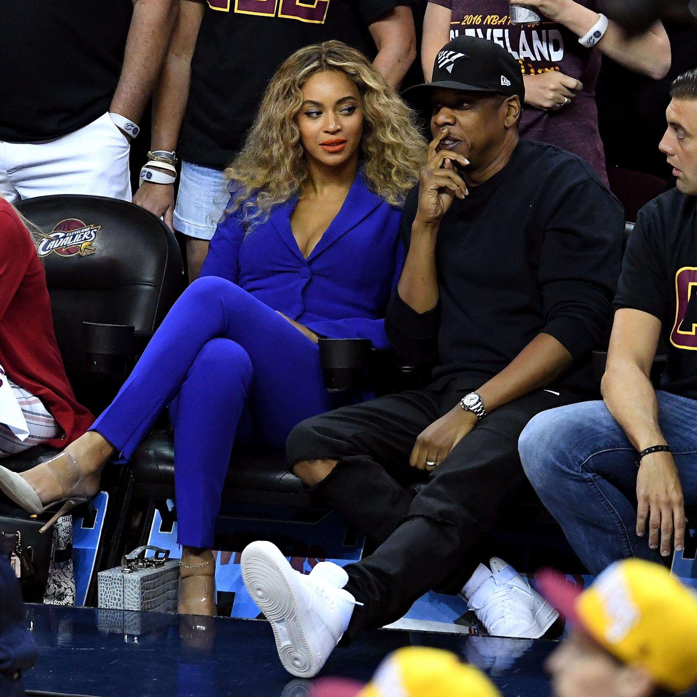 Beyonce and Jay Z on a date at a basketball game