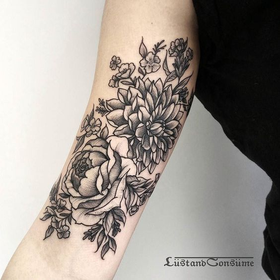 11 Minimal Black And White Tattoos That Are Chic Af
