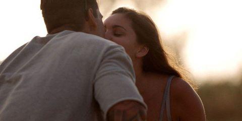 Emma and Terry Love Island kiss