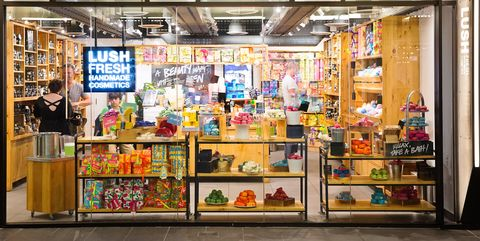 Retail, Convenience store, Building, Grocery store, Outlet store, Supermarket, Trade, Convenience food, Display window, Shopping,