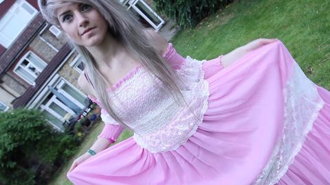 Why Twitter users are getting seriously spooked about the mystery surrounding vlogger Marina Joyce