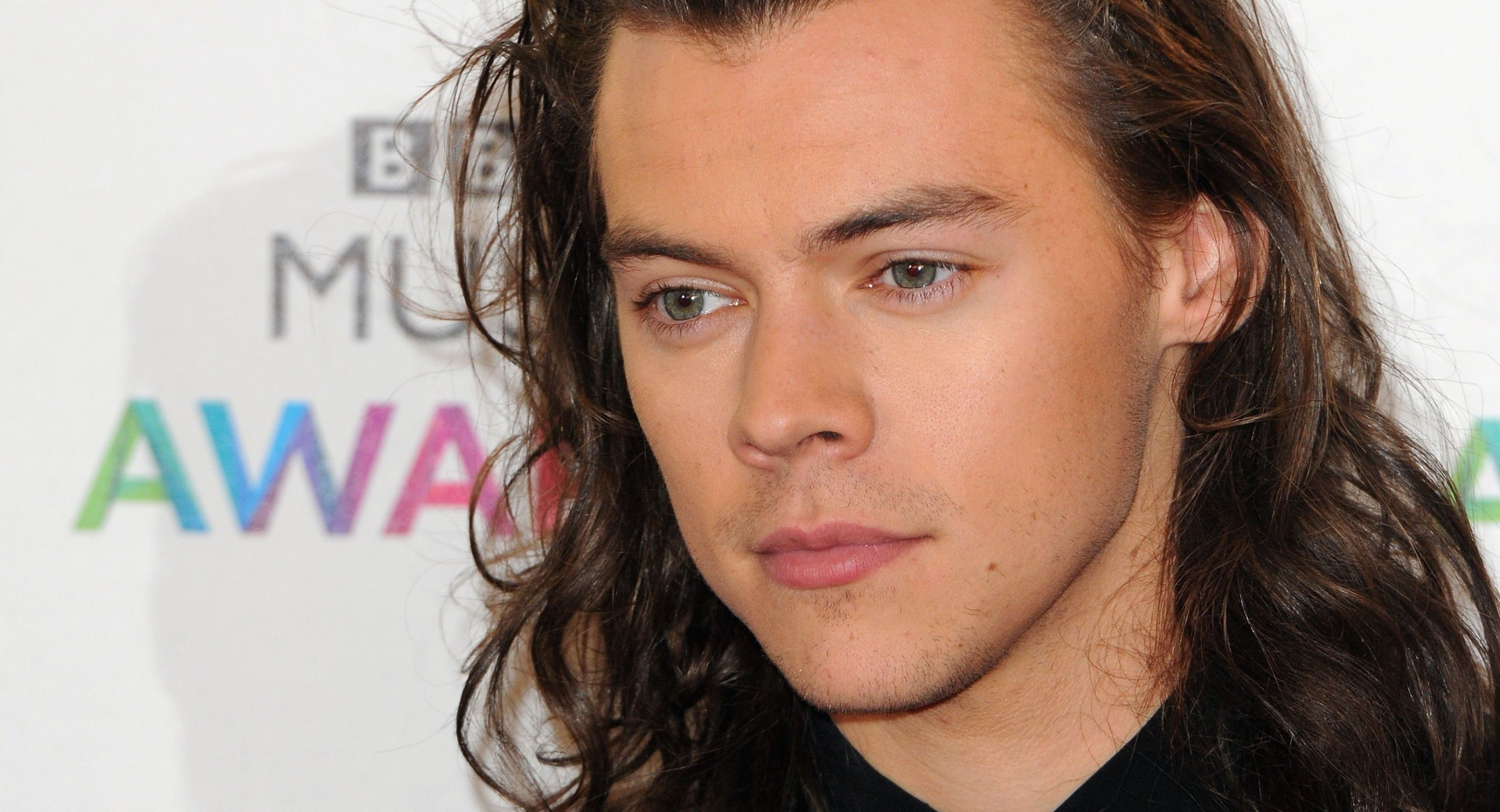 The First Proper Pics Of Harry Styles With Short Hair Have FINALLY Dropped