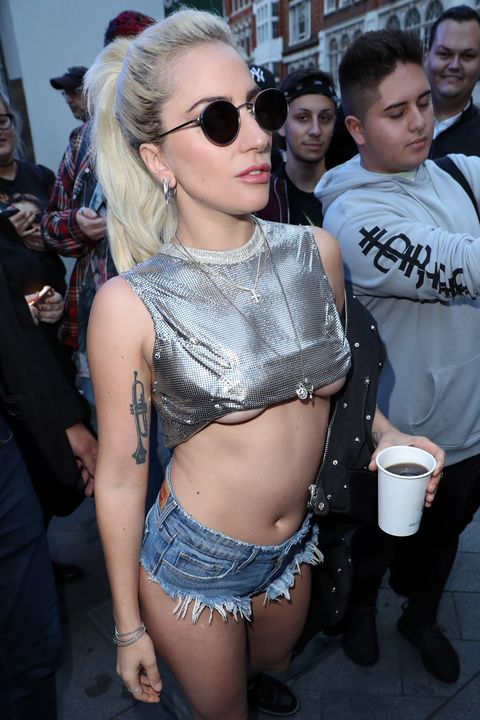 9f9ff7c50e106 13 times celebrities rocked the underboob trend and looked great