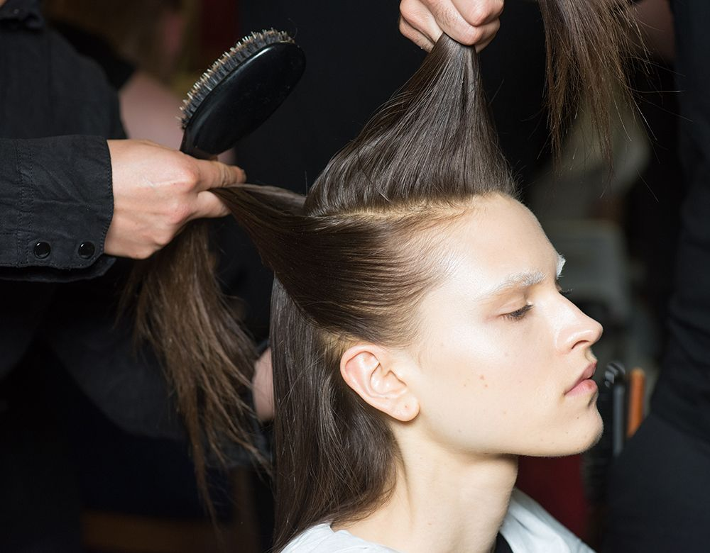 7 Reasons Why Your Hair Is Thinning