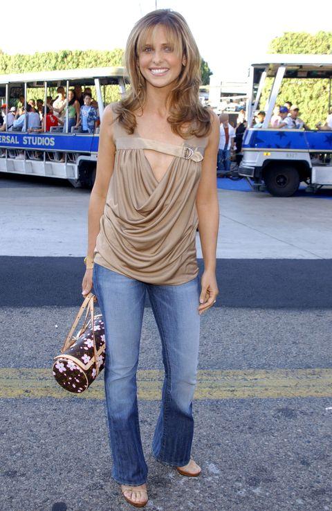 Brown, Trousers, Denim, Textile, Bag, Jeans, Style, Fashion accessory, Street fashion, Fashion,