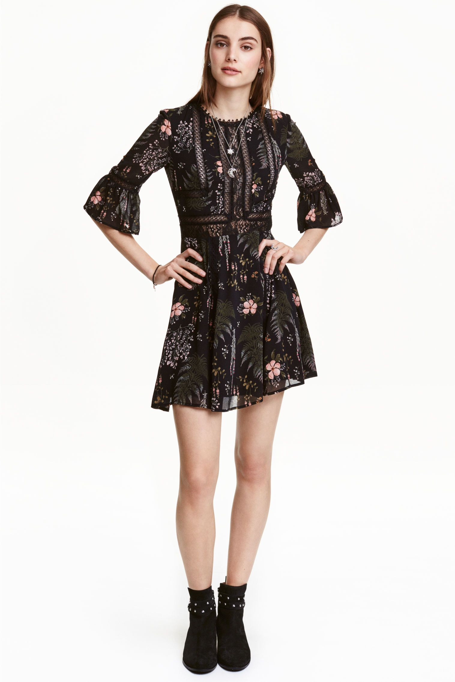 """<p>The winter floral print on this chiffon H&M dress is perfect for those not willing to let go of summer.</p><p><a href=""""http://www2.hm.com/en_gb/productpage.0417752001.html"""" target=""""_blank""""><strong data-redactor-tag=""""strong"""" data-verified=""""redactor"""">H&M</strong></a></p>"""
