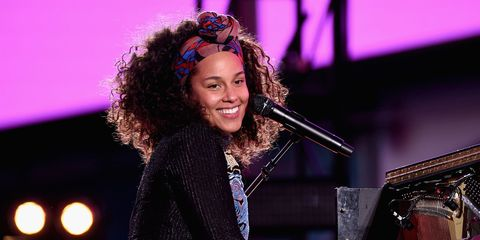 Heres why alicia keys stopped wearing makeup this is why alicia keys stopped wearing makeup m4hsunfo