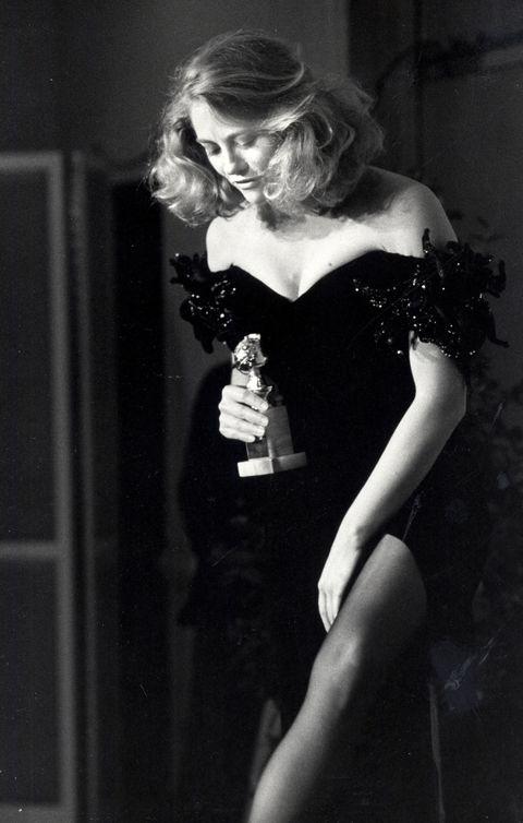 Black, Black-and-white, Beauty, Blond, Monochrome photography, Fashion, Monochrome, Dress, Photography, Leg,