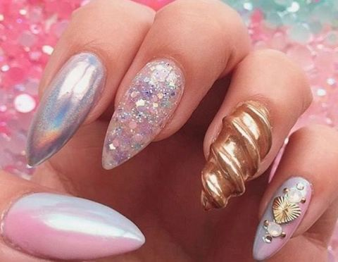 So, 3D unicorn nails are a thing now. - So, 3D Unicorn Nails Are A Thing Now…