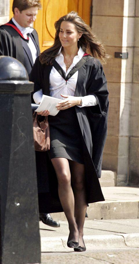 """<p>Il giorno della sua Laurea alla University Of St Andrews<span class=""""redactor-invisible-space""""> in Scozia.&nbsp;</span></p>"""
