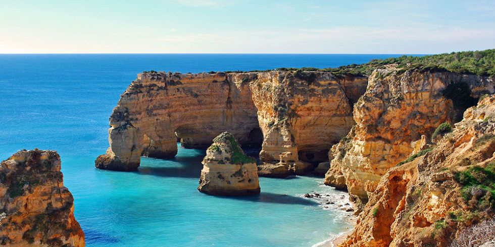 summer holiday destinations : cheap places for couples