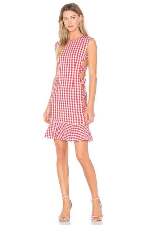 Sleeve, Dress, Human leg, Shoulder, Joint, Standing, White, One-piece garment, Style, Pattern,