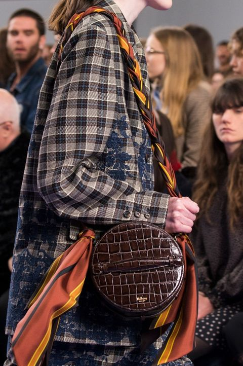 Hair, Face, Head, Plaid, Textile, Tartan, Pattern, Bag, Style, Street fashion,