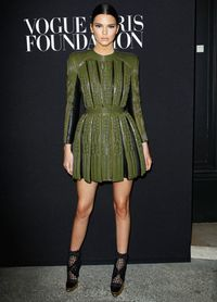 <p>Kendall Jenner knows a thing or two about wearing clothes, being a pretty important model now and everything, and she does a great job at just that in this Balmain structured mini.</p>