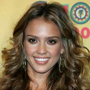 <strong>Brush brows up like Jessica Alba's for extra definition</strong><br /><br />•   Don't pluck daily or you could ruin your arches. Stick to once or twice a week, max.<br /><br />•   Don't over-pluck in between your brows. Clean up the obvious mono-brow hairs, otherwise let them grow towards your nose.<br />