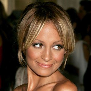 "<strong>What you want:</strong><br /><br />Hair that says, 'It took me five seconds to look this hot'<br /><br /><strong>How you get it<br /><br /></strong>•   ""For Nicole Richie's uncoiffed up-do you need a long fringe or layers at the front,"" says top stylist Richard Ward. <br />"
