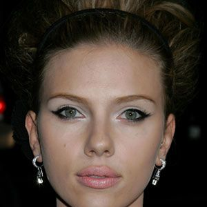 <p><strong>Scarlett Johansson works the '60s look with pale lips and feline eyes</strong><br /></p><br /><ul><li>Pick a neutral tone that's just a few shades paler than your natural colour and opt for fleshy pink rather than beige. Try <strong>Mac lipstick in Classical, £11</strong> - it's very similar to Drew Barrymore's choice.<br /></li></ul><br />Photograph: Getty Images<br />