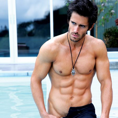 US soap stud, 29, plays Owen Knight in <em>The Bold And The Beautiful</em>