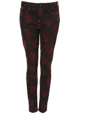 "<p>Flock with the rest of the fashion crowd towards these fabulous flock printed skinnies from Topshop. Pair with a cute contrast print vest and layer on some chunky Fair Isle knits for a look that oozes casual style</p><p>£50,<a href="" http://www.topshop.com/webapp/wcs/stores/servlet/ProductDisplay?beginIndex=0&viewAllFlag=&catalogId=33057&storeId=12556&productId=2635923&langId=-1&sort_field=Relevance&categoryId=277012&parent_categoryId=208491&pageSize=20"" target=""_blank""> topshop.com </a></p>"