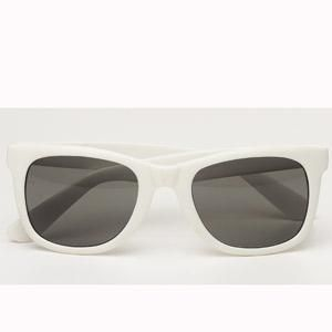 <p>Beat back the hot rays this summer with a retro vibe à la Stella McCartney and look like a modern-day Audrey Hepburn in these gorgeous white sunnies.<br /><br />Sunglasses, £15, Topshop<br /></p>