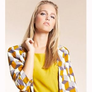 """<p>The Fashion Geometrics range has landed at Marks and Spencer and we can't wait to get our hands on some of their bold graphic prints.  Make a statement in this cube print jacket. Don't be afraid to team it with clashing bright colours if you're looking to nail two trends in one</p><p>£29.50,<a href="""" http://www.marksandspencer.com/Open-Front-Sleeve-Print-Jacket/dp/B005J1PW6W?ie=UTF8&ref=sr_1_2&nodeId=42966030&sr=1-2&qid=1315919057&pf_rd_r=0GK97YCY184QSCZBRV2Z&pf_rd_m=A2BO0OYVBKIQJM&pf_rd_t=301&pf_rd_i=0&pf_rd_p=215485807&pf_rd_s=center-3"""">marksandspencer.com</a></p>"""
