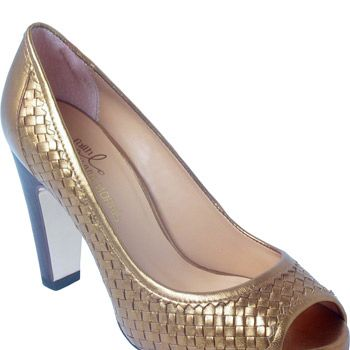 "<strong>Winner: </strong><a target=""_blank"" href=""http://www.faith.co.uk"">www.faith.co.uk</a><br /><br /><strong>Camille peep toe metallic leather court shoe in bronze £75 Olivia Morris</strong><br /><br />"