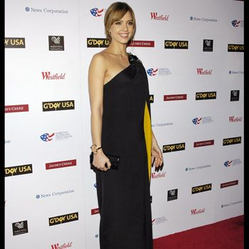 Actress Jessica Alba contends for more stylish pregnant celeb in this flattering black one shouldered gown.