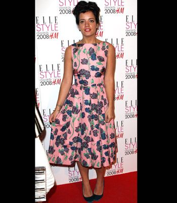 Lily Allen has been seen pioneering this trend a lot recently. The songstress proves she has plenty of style at the Elle Style Awards this year in this cute pink dress bursting with a blue floral print.