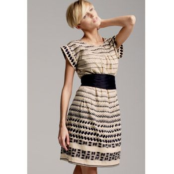"""<strong>Winner:</strong> <a target=""""_blank"""" href=""""http://www.next.co.uk"""">www.next.co.uk</a><br /><br /><strong>Satin Print Belted Dress £32.00</strong><br /><br />"""