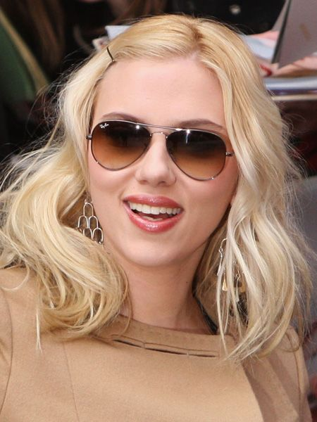 The actress chooses Ray-Ban 'Aviators' to compliment her old-school glamour look  <br />