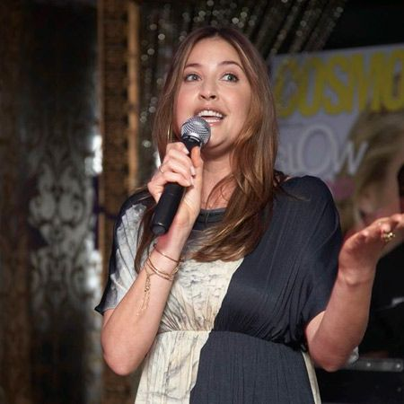 Lisa Snowdon told all the boys to get balsy as she kick-started the party in support of testicular cancer charity Everyman  <br />