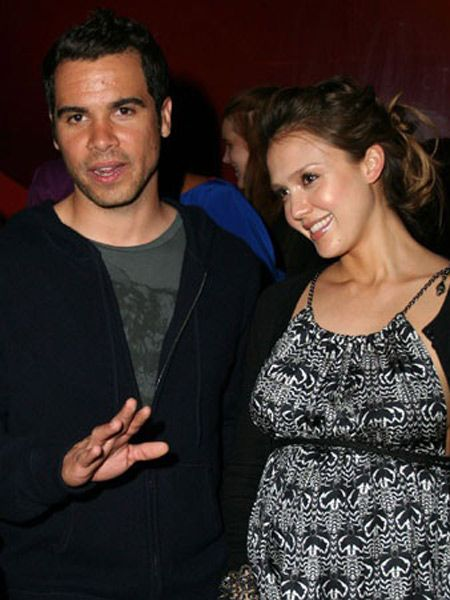 Jessica Alba and her man Cash Warren secretly tie the knot away from the media glare.  <br />