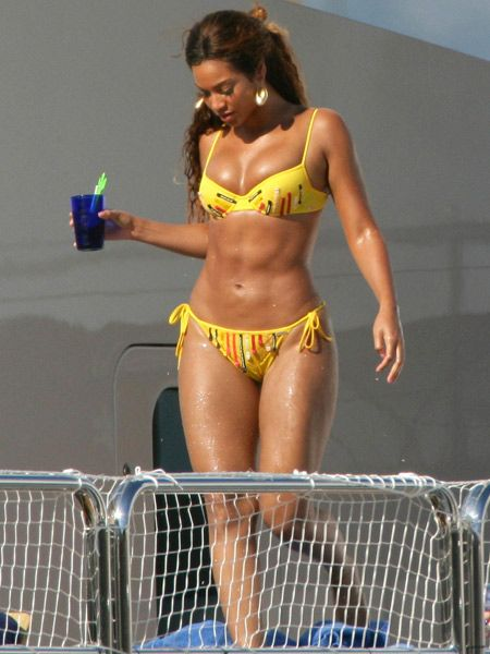 """<p>Get your swimwear style sussed a la Beyonce, with our figure-fixing tips and pick of the best buys for curvy body shapes. <br /></p><p> </p><p>- Chose supportive bikini tops and halter-necks to help your boobs point North<br />- Wear all-in-one swimsuits for tummy control<br />- Tankinis will enhance your silhouette and hide any problem areas<br />- Try high waisted bikini bottoms to give the illusion of longer legs</p><p> </p><p><a href=""""http://web3.cosmopolitan.co.uk/fashion-&-style/cosmopolitan-personal-fashion-advice-swimwear/special"""">Back to swimwear click fixes</a> </p>"""